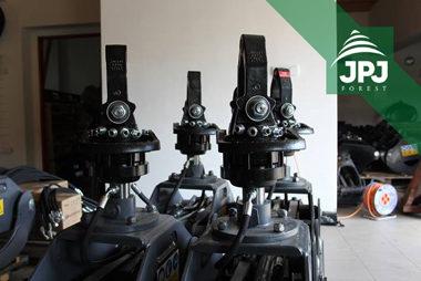 Hydraulické rotátory Baltrotors a lesnícke drapáky FARMA pre štátny podnik
